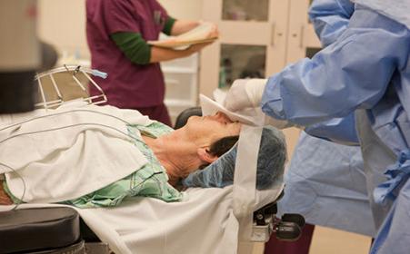 白内障的治疗选择什么方法最好